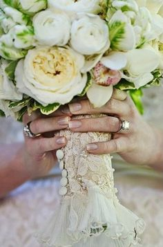 "A beautiful ""something old"" - wrap fabric from your mother's wedding gown around your bouquet"