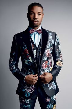 Michael B Jordan Goes Dandy for Vogue Photo Shoot Michael B Jordan, Mode Costume, Black Panthers, Men's Suits, African Men Fashion, Mens Fashion Suits, Wedding Suits, Stylish Men, Well Dressed