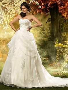 HOT Product! A hot product at an incredible low price is now on sale! Come check it out along with other items like this. Get great discounts, earn Rewards and much more each time you shop with us! http://www.lightinthebox.com/a-line-princess-sweetheart-organza-wedding-dress_p604645.html?&share_statistics_OS=Android&share_statistics_source=product_detail&share_statistics_type=product&share_statistics_platform=Pinterest