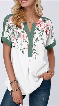 women's blouses, trendy blouses for women with competitive price Trendy Tops For Women, Blouses For Women, Women's Blouses, Stylish Summer Outfits, Casual Outfits, Elisa Cavaletti, Printed Blouse, Fashion Prints, Blouse Designs