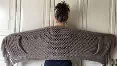 EASY Womens Scarf Pattern Crochet Wrap Pattern Easy Boho Crochet Shawl with Pockets and Fringe Shawl Pattern Crochet for Women PDF DIY Boho Crochet, Knit Crochet, Crochet Hats, Easy Crochet Shawl, Easy Crochet Stitches, Patron Crochet, Crochet Scarves, Double Crochet, Free Crochet
