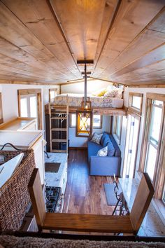 Teton – Tiny House design that actually works! A real Kitchen, a real living room, and a real bathroom, all very efficiently arranged...