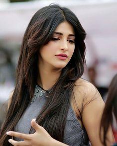 Sexiest smile ever Shruti Hasan Indian Celebrities, Bollywood Celebrities, Beautiful Celebrities, Beautiful Actresses, Beautiful Models, Beautiful Eyes, Beautiful Women, Beautiful Girl Indian, Most Beautiful Indian Actress