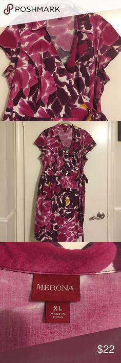 Fun comfortable floral wrap dress🎈FLASHSALE🎈 Fun comfortable floral wrap dress with cap sleeves shades of pinks and purples. Merona Dresses Midi