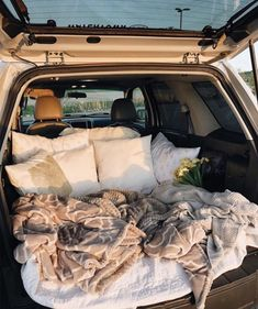 sleepover with boyfriend Travel Couple Goals Friends Ideas Summer Goals, Summer Fun, Fun Sleepover Ideas, Sleepover Party, Party Fun, Sleepover Snacks, Cute Date Ideas, 31 Ideas, Dream Dates