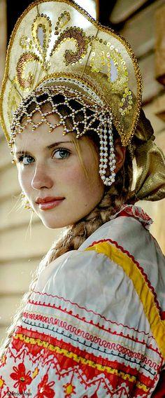 Kokoshnik - Russian traditional headwear