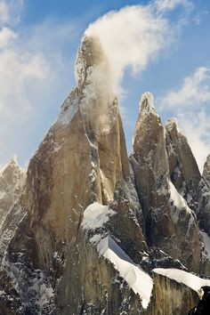 Snow Peaks, Cerro Torre, Argentina  photo via satvrn