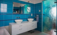 Niebieska łazienka Pilkington Polska