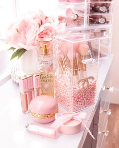 April 09 2020 at Makeup Room Decor, Makeup Rooms, Tout Rose, Baby Pink Aesthetic, Glam Room, Cute Room Decor, Pink Wallpaper Iphone, Pink Room, Aesthetic Room Decor