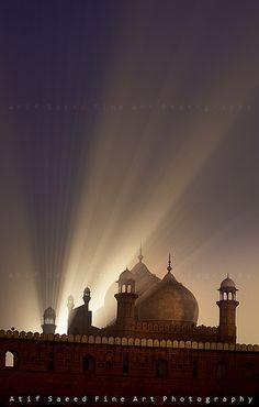 "Badshahi Masjid, Lahore, Pakistan .................... #GlobeTripper® | https://www.globe-tripper.com | ""Home-made Hospitality"" | http://globe-tripper.tumblr.com/"