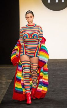 knitGrandeur®: FIT The Future of Fashion Knitwear-Designer Grace Insogna Source by fashion 2018 Knitwear Fashion, Knit Fashion, Fashion Art, High Fashion, Fashion Design, Winter Fashion, Rainbow Fashion, Colorful Fashion, Fashion 2018