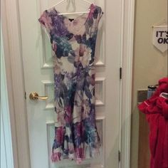 Light floral dress Airy and perfect for a nice day out Komarov Dresses
