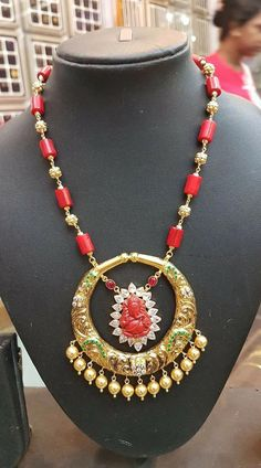 The collection showcased here is all about coral beads and pearls that is the basic element of design in all these necklaces. Beaded Jewelry Designs, Gold Earrings Designs, Gold Jewellery Design, Bead Jewellery, Necklace Designs, Jewelery, Latest Jewellery, Gold Jewelry Simple, Coral Jewelry