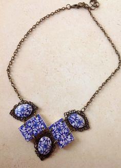 Collar Corto en Blanco y Azul por LasJoyitasDeMarie en Etsy, $20.50