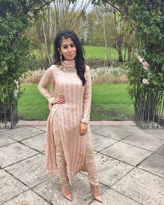 indian fashion Bridal -- Click visit link above for more options Punjabi Fashion, Ethnic Fashion, Bollywood Fashion, Asian Fashion, Indian Attire, Indian Wear, Indian Suits Punjabi, Punjabi Salwar Suits, Indian India