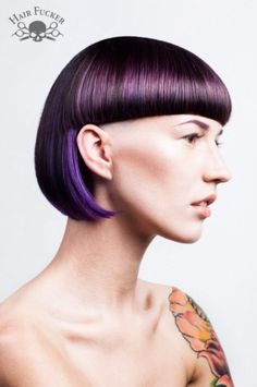 Fringes :-) creative haircuts, short hair with bangs, short hair styles Short Bobs With Bangs, Bob Haircut With Bangs, Short Hair Styles, Bob Bangs, Short Bob Hairstyles, Hairstyles With Bangs, Cool Hairstyles, Female Hairstyles, Creative Haircuts