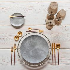 Are you the BEST GUEST? Our Top Tips for how to make sure you'll be asked back again next year. Also this brass + black cutlery. #linkinbio #heyponderosa by @casadeperrin found via our girl Shauna @shaunasstage_ #heyponderosa #bestguest
