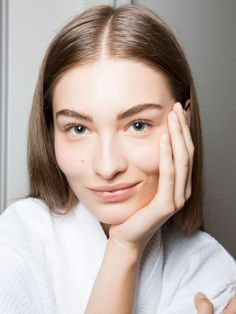 3 Things Skin Pros Do Every Single Day (And 3 Things They Avoid) via @ByrdieBeautyAU