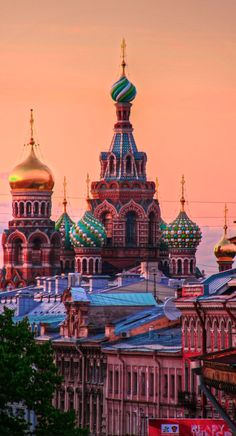 Church of Our Savior on The Spilled Blood in St. Petersburg, Russia • photo: Luís Henrique Boucaul on Flickr