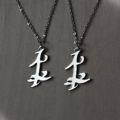 Buy Jewelry tycoon® Set of TWO Parabatai Rune Pendant Necklaces Shadowhunters at Wish - Shopping Made Fun Pretty Little Liars, Fandom Jewelry, Geek Jewelry, Clary And Jace, Shadowhunters The Mortal Instruments, The Infernal Devices, City Of Bones, Simple Jewelry, Diamond Pendant