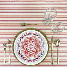 Ahhhhhh! When the weather warms up, decorating means easy summer tablescapes that elevates casual gatherings with friends and family, outdoor patios, and even become the centerpiece for other summer special celebrations. Waterproof Tablecloth, Spirit Of Summer, Red Orange Color, Pretty Patterns, Some Ideas, Floral Centerpieces, Simple Elegance, Some Fun, Tablescapes