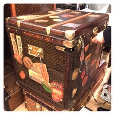 ❤️ Antique Goyard Trunk .. Only in Paris' Les Puces ... 150 years old, flawless condition!  And no, I don't have it ... Just love sharing the thrill ... Guest Book Included Angelina Jolie and Pharralle Williams, and Bill Gates, HA! Goyard Bags