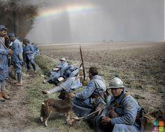 Route d'Ailly à Essertaux (Somme), le 53e Régiment d'Infanterie allant eu repos - Avril 1918 - Seconde Offensive Ludendorff. Crédit Photo ECPAD / spa-111-r-4355