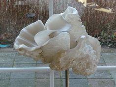 Afbeeldingsresultaat voor stenen beelden albast