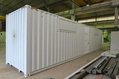SOGECO containers, 40' HC allestito con aperture su lati lunghi, tetto e pavimento, per ospitare inverter e trasformatori che opereranno in Cile in un sito ad impianto solare. Sportelli apribili a 45° per aspiratori e filtri a tasche.