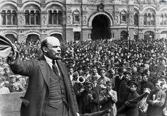 Dit is een foto van de bolsjewieken, dat zijn arme boeren die Lenin volgen.