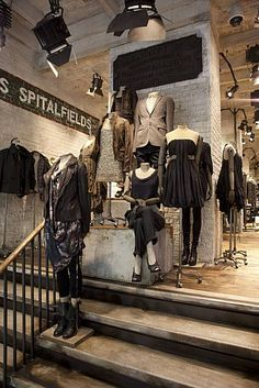 All Saints Flagship Store in Union Square San Francisco USA, pinned by Ton van der Veer Boutique Interior, Boutique Design, Shop Interior Design, Retail Design, Visual Merchandising Displays, Visual Display, Clothing Store Design, Store Interiors, Store Fixtures