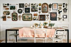 Gallery Wall Styles for Any Space - Sunset Magazine Interior Design Blogs, Beautiful Interior Design, Interior Decorating, Decorating Blogs, Boutique Design, Boho Dekor, Dining Room Walls, Inspiration Wall, Decoration