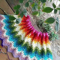 #crochetblanket #crochet #crocheting #handmade #instacrochet #crochetlove #grannysquares #grannysquareblanket #colourfulcrochet #rainbowcrochet