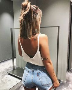 Timeless And Comfy Jean Outfits For Travelling - FashionActivation Looks Style, Style Me, Complete Outfits, Cute Casual Outfits, Passion For Fashion, Spring Outfits, Fashion Beauty, Trends, Fashion Outfits