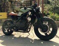 Kawasaki GPZ 500 s Cafe Racer/schimb cu chopper Bacau - imagine 1 Gs 500 Cafe Racer, Cafe Racer Girl, Cafe Racer Build, Motorcycle Camping, Cafe Racer Motorcycle, Motorcycle Garage, R Cafe, Cafe Bike, Bobber