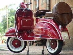 Vespa 1967 Candy Apple Red VLB 70 #vintage #classic #transportation