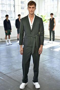 Carlos Campos Spring/Summer 2016 - New York Fashion Week Mens - Male Fashion Trends Urban Fashion, Mens Fashion, High Fashion, Streetwear, Look Retro, Designer Suits For Men, Wilhelmina Models, Estilo Retro, Mode Outfits