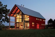 Pole barn house allows you to have an easy and affordable way to make a house. The difference between a pole barn house and a regular house is that the building has no foundation, and it can consist of steel or aluminum panels that are supported via Building A Pole Barn, Pole Barn House Plans, Metal Building Homes, Pole Barn Homes, Building A House, Pole Barns, Building Ideas, Green Building, Building Design