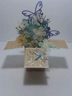 Exploding flower box