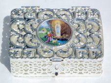 Silver Rosary Box Depicting the Apparitions at Lourdes Different Shapes, Decorative Boxes, Rosaries, Pearls, Crosses, Silver, Money, The Cross, Beads