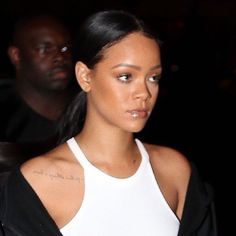 Image about vintage in celebs +*! Mode Rihanna, Rihanna Style, Rihanna Fenty, Pretty People, Beautiful People, Rihanna Outfits, Bad Gal, Models, Unisex