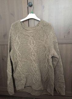 Kup mój przedmiot na #vintedpl http://www.vinted.pl/damska-odziez/swetry-z-dekoltem/11995108-gruby-sweter-brazowy-hm