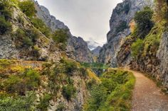 The spectacular Cares Gorge