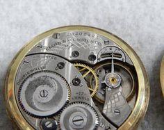 Reloj de bolsillo Elgin del cara de Vintage 1918 17j. B & B favorito 25 años 14k oro llenaron caso.