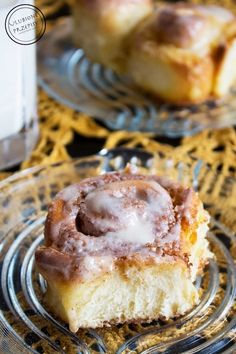 Cynamonowe ślimaczki - Ulubione Przepisy Cheesecake, Food, Cheesecakes, Essen, Meals, Yemek, Cherry Cheesecake Shooters, Eten