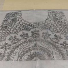 Hand Embroidery Design Patterns, Hand Embroidery Videos, Hand Work Embroidery, Couture Embroidery, Embroidery Motifs, Beaded Embroidery, Mehndi Designs Book, Hand Work Blouse Design, Quilting Designs
