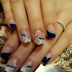 Blue - tiful nails design