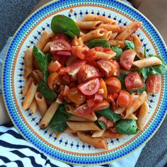 Earlier dinner Pasta, Spinach, tomatoes, capsicum, salt and pepper