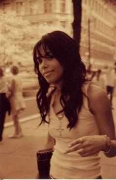 Aaliyah Dana Haughton (January 16, 1979 – August 25, 2001) #beauty