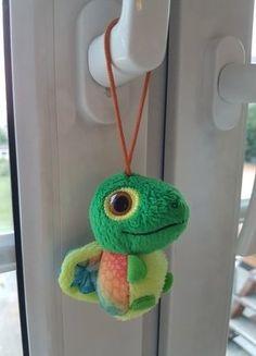 Kaufe meinen Artikel bei #Mamikreisel http://www.mamikreisel.de/spielzeug/kuscheltiere/41487676-kleiner-bunter-gecko-von-mcdonalds-gratis-zum-einkauf